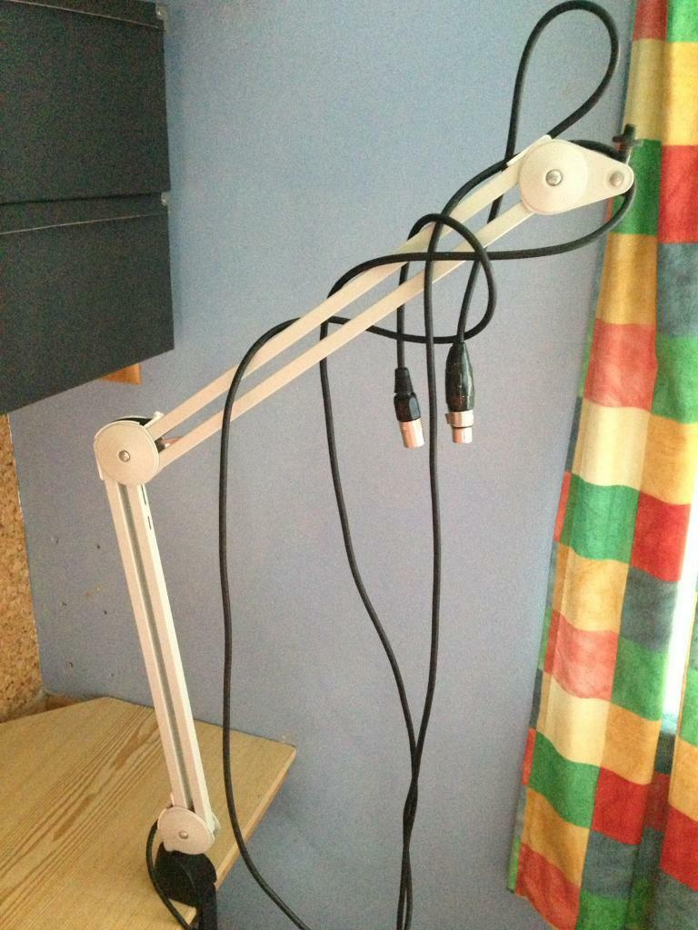 Desktop microphone stand adjustable spring-loaded