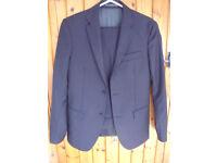 Ck Calvin Klein navy blue Italian super fine wool man's 2-piece suit. Size 36. £45 ovno.