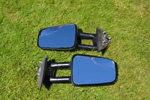 Two Towing Extendable Mirrors