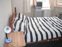 DOUBLE ROOM BETWEEN CLAPHAM COMMON AND BRIXTON (ACRE LANE) - £650 PCM ONE PERSON - ALL BILLS