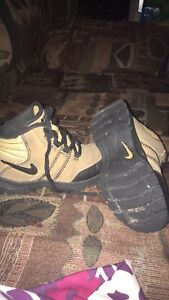 Boys toddler Nike hiker boots