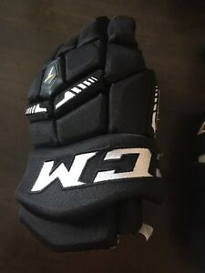 "CCM - 2509 Tacks, 12"" hockey gloves"