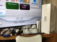 Nintendo Wii Console Bundle in excellent condition