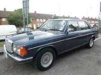 1983 Mercedes-Benz 280 2.7 E 4DR Petrol Blue