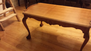 Coffee table / table basse antique