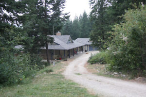 Custom built 4 bdrm home with suite on 4.94 Private View acres