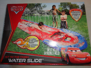 Disney Pixar Cars Lightnin McQueen Raceway Water Slide 16 Ft. Lo