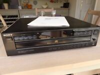 SONY CD player - 5 disc capacity - good condition