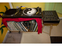 2xTechincs SL-1210MK2 Turntables + Pioneer DJM-600 Mixer
