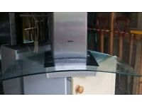 Glass extractor fan complete with cowling
