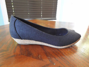 Never Worn Aldo Shoes With Open Toe For Sale
