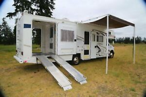 2006 Coachmen Ramp and Camp Toy Hauler 295th