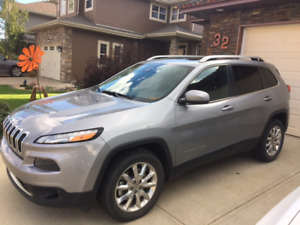 2014 Jeep Cherokee Limited SUV- 6 cylinder Engine ,Crossover