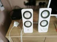 Logitech z200 speakers, very good cond.