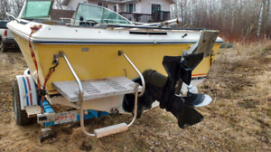 1979 sea ray with 190 HP inboard/outboard