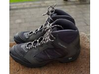 Quecha Men's Hiking Boots