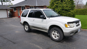 2001 Ford Explorer Sport - 2 door V6 4.0L 4x4
