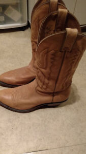 Beautiful Leather Cowboy Boots