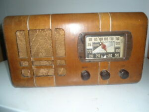 Antique radio 1941 Stewart Warner Model 472