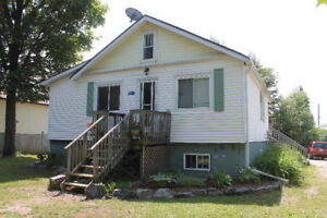 House in central Gravenhurst with basement apartment