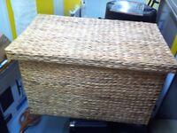 Wicker storage trunk/basket/toy box