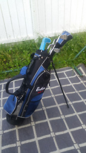 Jr Set GOLF clubs PUTTER, WEDGE, 9, 7, 5, 3 and 1