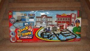 NEW IN BOX - Track'n Town 100 pc Emergency Set with Vehicles