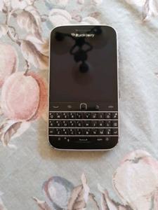 Blackberry Classic Unlocked 9/10 Condition