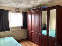 Large double room in Greenford available!
