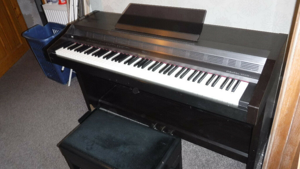 Electronic Piano Roland 5000s Complete With Height