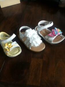 Sandale blanche grandeur 4,  6 et 7