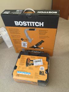 Brand new Bostitch BTFP12569 2-in-1 Pneumatic Flooring Nailer