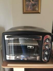 Home-tek Turbo convection Oven Immaculate condition inside and out