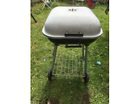 BBQ with lid
