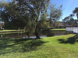 For Sale - 2 bedroom Condo - Sarasota, Florida - $169,900 USD
