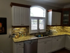 kitchen cabinets drawers ss appliances granite tops sink