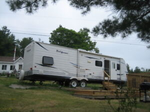 2 Bedroom  31'  Trailer for Family Vacation