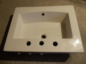 Countertop/Vessel Sink White