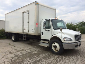 2016 FREIGHTLINER  M2  With 26 Foot Box