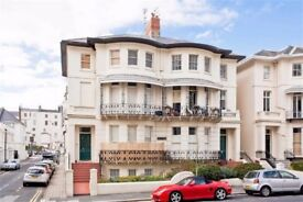 Stylish, spacious 2nd floor one bed apartment in period villa off Hove seafront