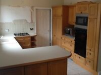 Beautiful Strong & durable SOLID WOOD Kitchen including appliances
