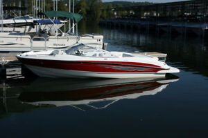 Big Roomy Runabout w/ V8 Power, Low Hours, Garage Stored