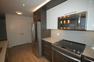 Beautiful & Brand New 2 Bed+DEN in Hydrostone Avail NOW& Sept!