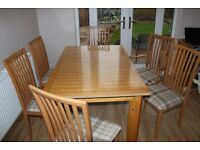 Wooden Dinning room Table and 6 Chairs Good condition
