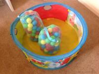 Baby's ball pit