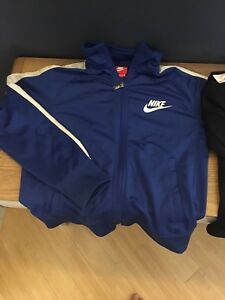 Kids M Nike jacket lightly lined(fall)