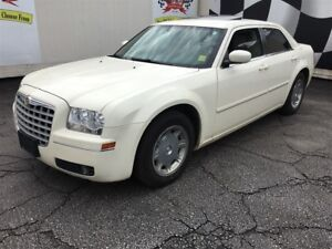 2005 Chrysler 300 Automatic, Leather, Sunroof, Only 66,000km