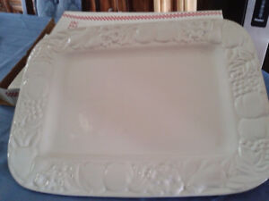 Rectangle Serving Platter (NEW) Sale price $ 10.00