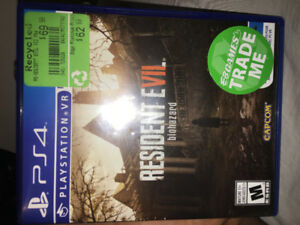 Selling Resident Evil 7 Ps4 Perfect condition!