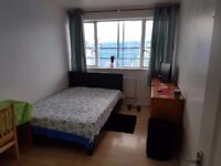 Nice double room available now to rent in Putney